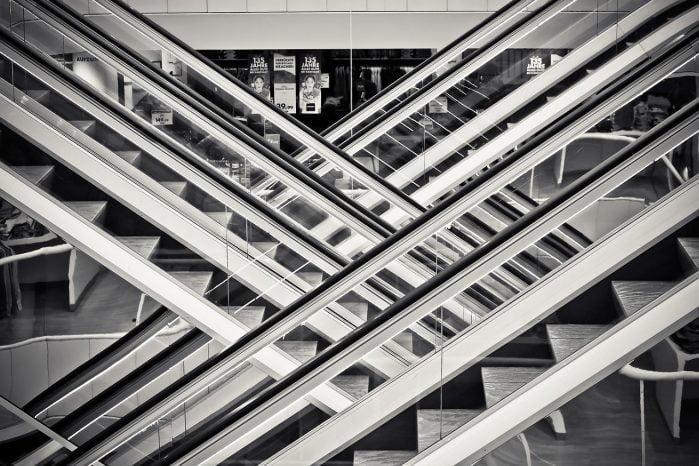 penemu tangga eskalator