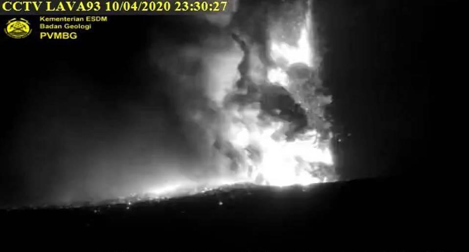 Letusan Gunung krakatau Anak krakatau11 apr 2020