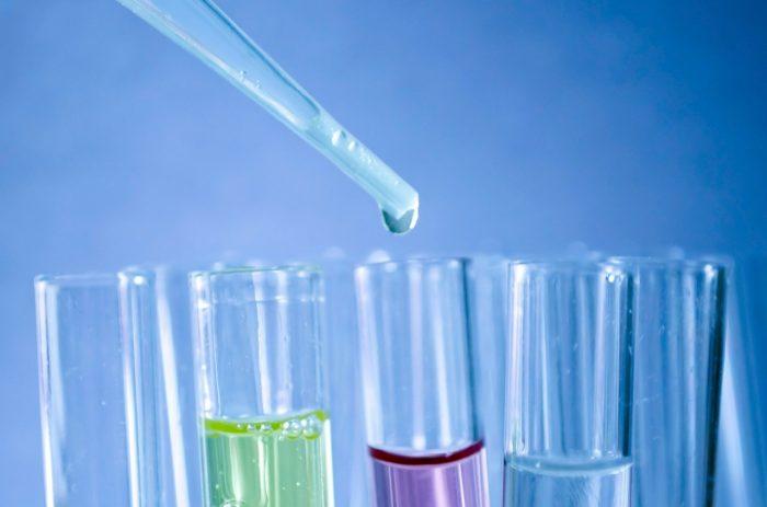 Rumus kimia Air H2O atom hidrogen