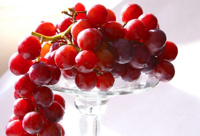 Melawan Depresi Dengan Makan Anggur Merah