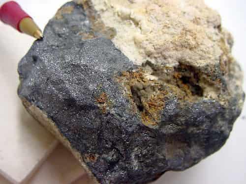 Batu mineral Bismut