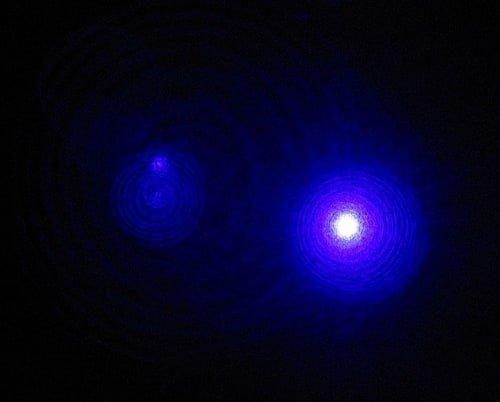 Lampu violet dari uap logam kadmium helium laser