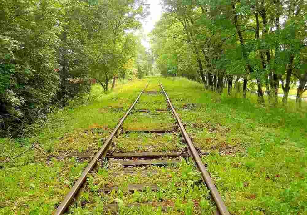 Arti mimpi rel kereta api