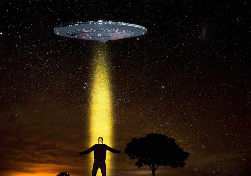 Arti mimpi alien ditarik