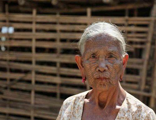 Kecantikan Wanita Suku Chin Myanmar Dengan Wajah Bertato Yang Luar Biasa