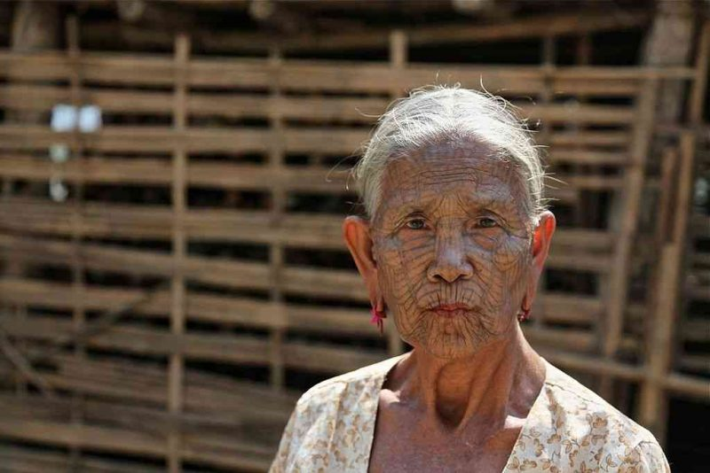 Wanita Suku Chin Myanmar