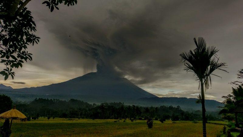 Gunung Agung, Bali 17.25 on 26 Nov17 - @ReelLifePhotos