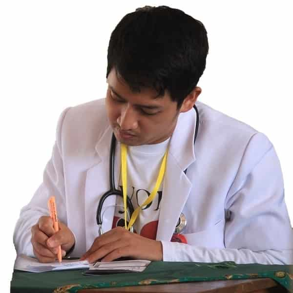 Kunjungi dokter