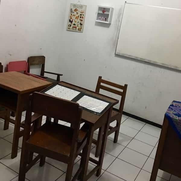 YPAC Surabaya - ruang kelas