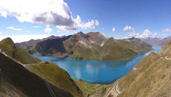 Danau Yamdrok Tibet
