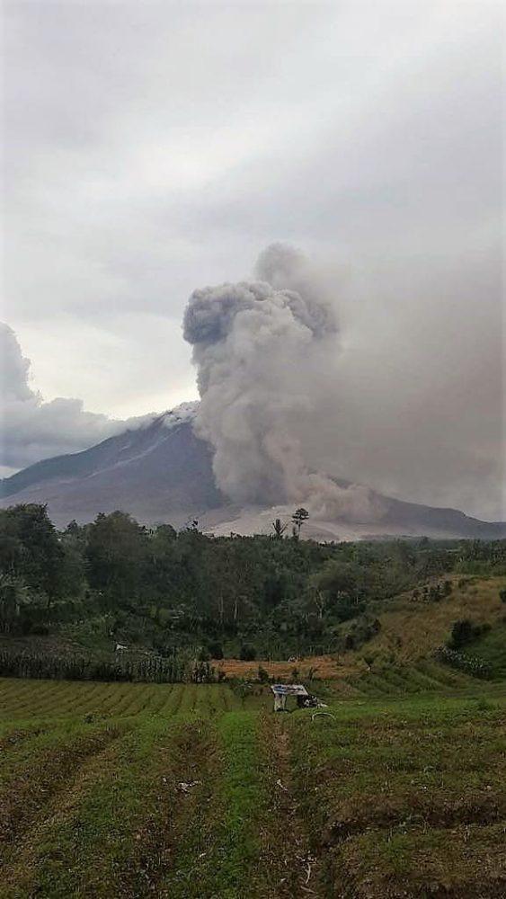 Gunung Sinabung 24-10-2017 1445 WIB
