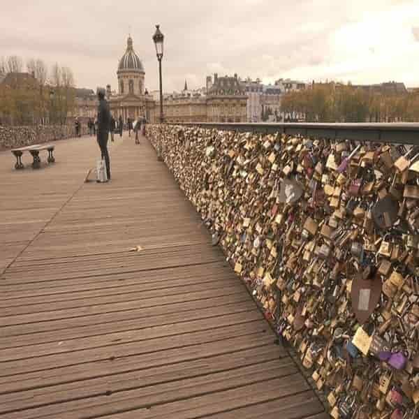 Jembatan gembok cinta Paris
