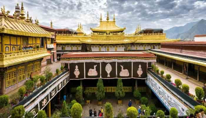 Vihara Kuil Jokhang Tibet