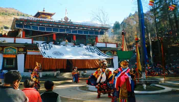 Tarian Gumpa masa Losar tahun baru Tibet - Lachung