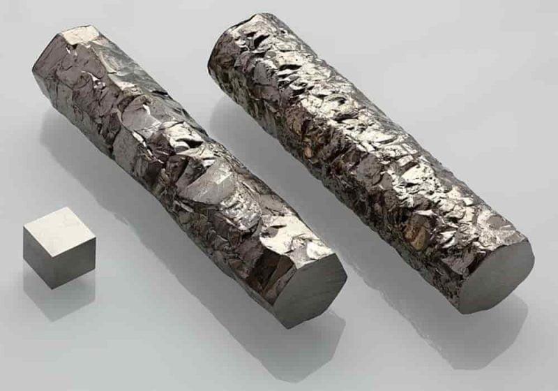 Zirkonium adalah