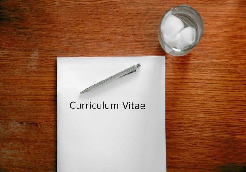 menulis CV Dan surat lamaran kerja