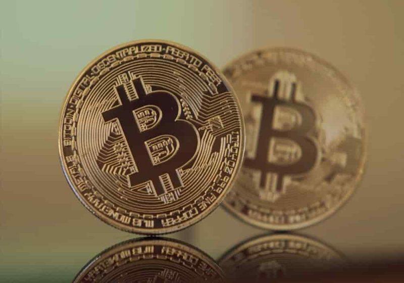 Bitcoin uang elektronik