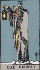 9 Tarot Hermit - Pertapa