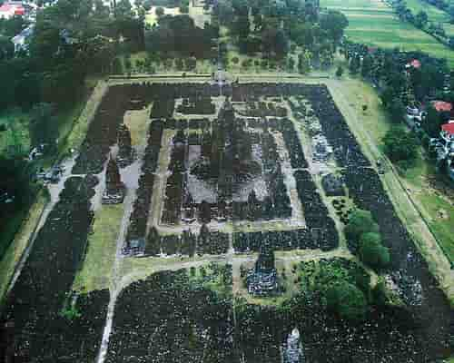 Candi Sewu dilihat dari udara - pola Mandala Wajradhatu