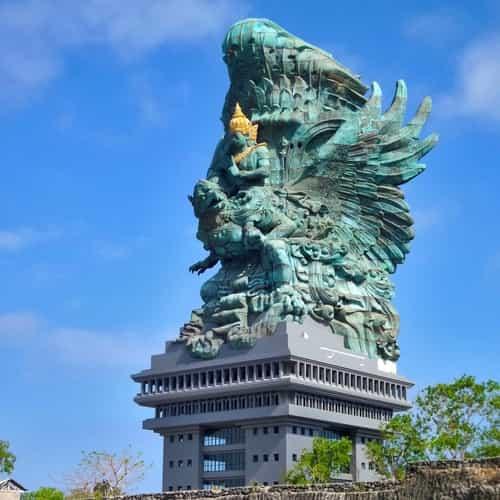 Monumen Garuda wisnu kencana GWK bali