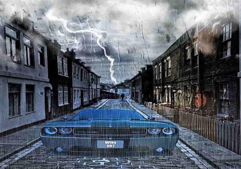 Aman saat berkendara waktu hujan dan adanya petir
