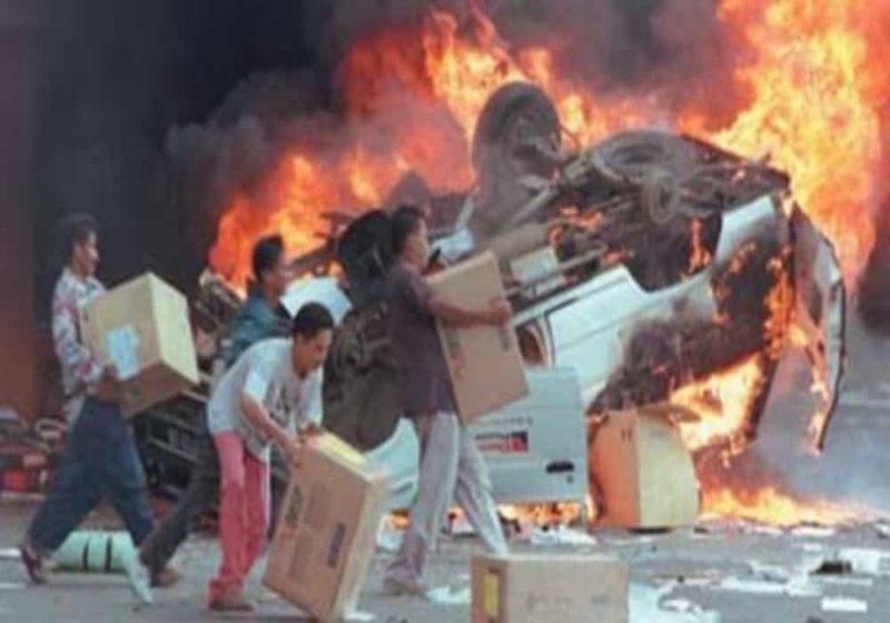 Kerusuhan mei 1998 Kerusuhan rasial etnis Tionghoa di Indonesia