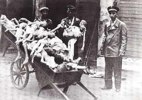 Nazi - Hitler - Mayat anak-anak di Ghetto Warsawa