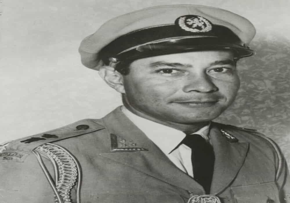 Sultan Hamid II dari Kalimantan Barat berseragam Mayor Jenderal KNIL