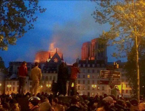 Notre Dame de Paris Terbakar – Gereja Katedral Gotik Terbakar Dengan Tragisnya – Senin 15 April 2019