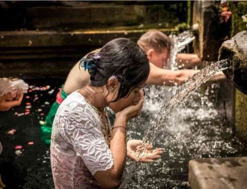 Hari Banyu Pinaruh di Bali – Perayaan Air Suci dan Pembersihan Diri