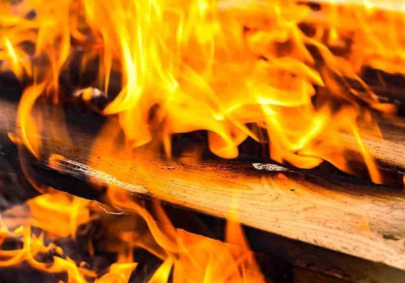Pembakaran Kimia - Persamaan Kimia - Sempurna & Tak Sempurna dan Contoh Soal beserta Jawabannya