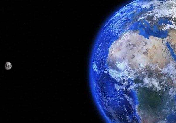 Jarak Bulan Ke Bumi Adalah 384400 km