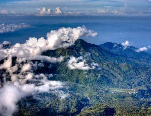 Gunung Lawu tepatnya di perbatasan Provinsi Jawa Tengah dan Jawa Timur – Mitos, Tempat Wisata, Film