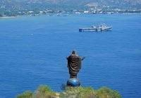 Timor leste patung kristus raja pelabuhan dili