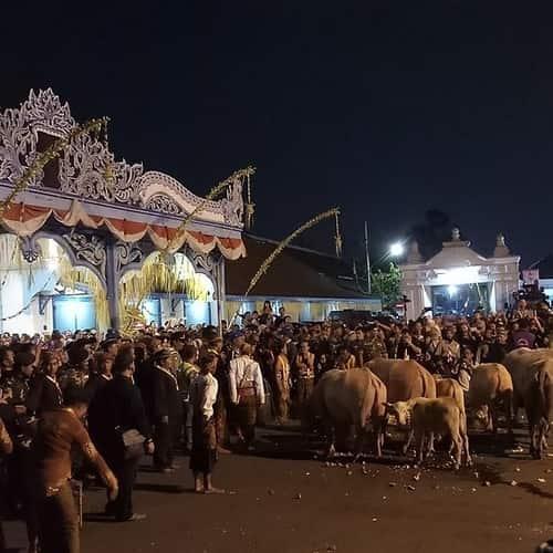 Malam 1 Suro dan Bulan Suro - Tradisi, Ritual, Misteri, Legenda, Mitos