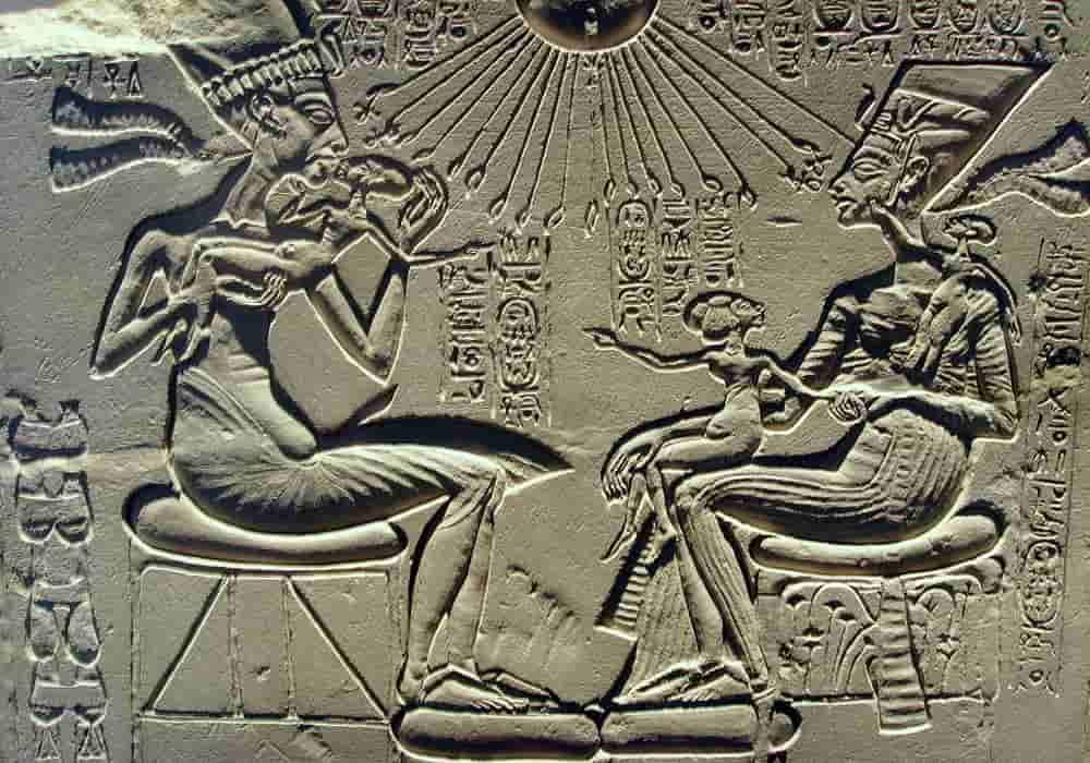 Nefertiti Ratu Mesir Kuno (1370–1330 SM) | Biografi, Patung Dada, Pemerintahan, Fakta & Kematian