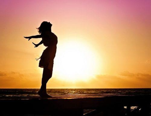 Terapi Hormon Menopause (MHT: Menopausal Hormone Therapy) – Contoh, Manfaat dan Risiko