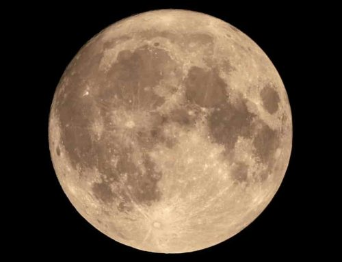 Bulan Purnama Wolf Moon (Bulan Serigala)