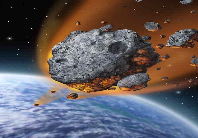 Gambaran asteroid jatuh ke bumi