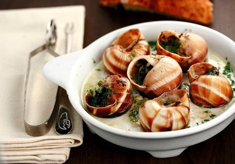 Escargots au beurre persillé siput - Makanan Perancis